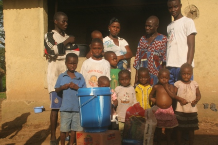 Ebola Victims in Sanolah quarter, Samodu town receive donation