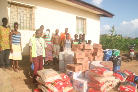 Foya community victims receive donation