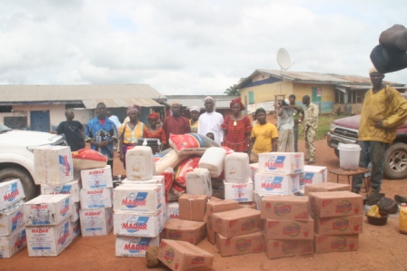 Kiatahun a quarantine community of 2500 population, receive donation afer losing 5 of its inhabitants to ebola