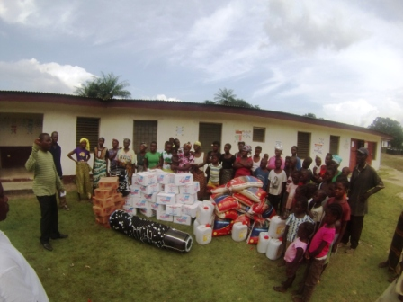 Victims in Gibi Receive donation for the first time after losing 29 to ebola
