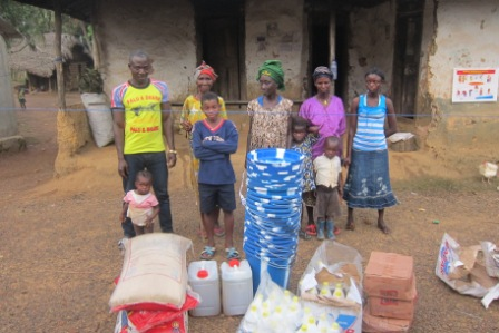 A quarantine family of 9 receive donation after serving 8 days without receiving any extenal aid