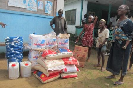 Ebola Victims in Diah Town receive food and non food items from SEFL through MSL alleging neglect by County Health Team  while undergoing quarantine