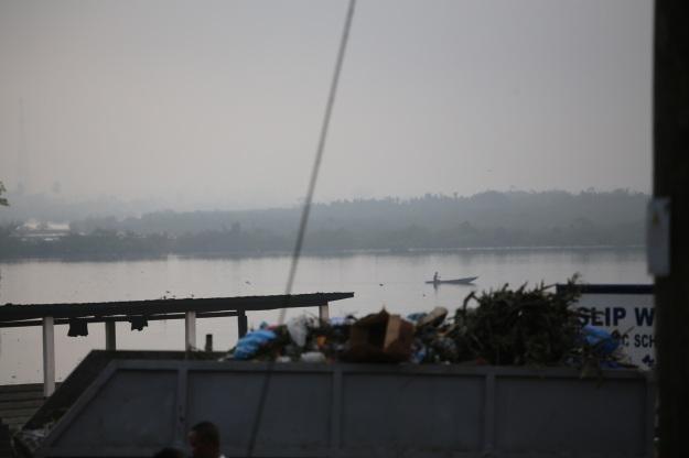 Morgonen kommer på väg ut från Monrovia