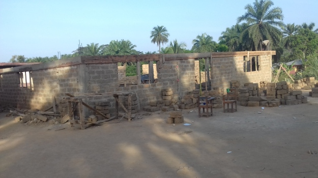 Work at the Multi purpose building in Bolahun school